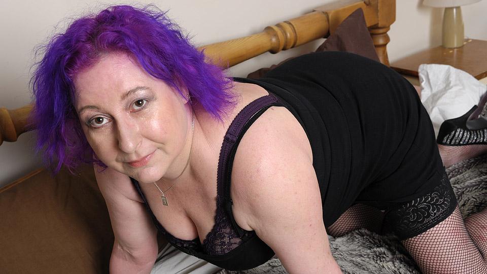 oma met paars haar houdt van wilde seks