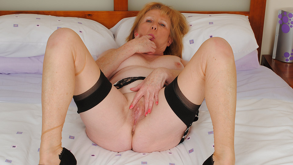British slut romana gets fucked after internet dating