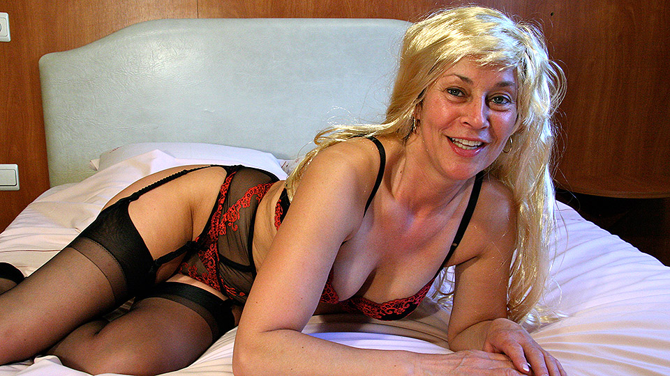Naughty housewife pleasing herself