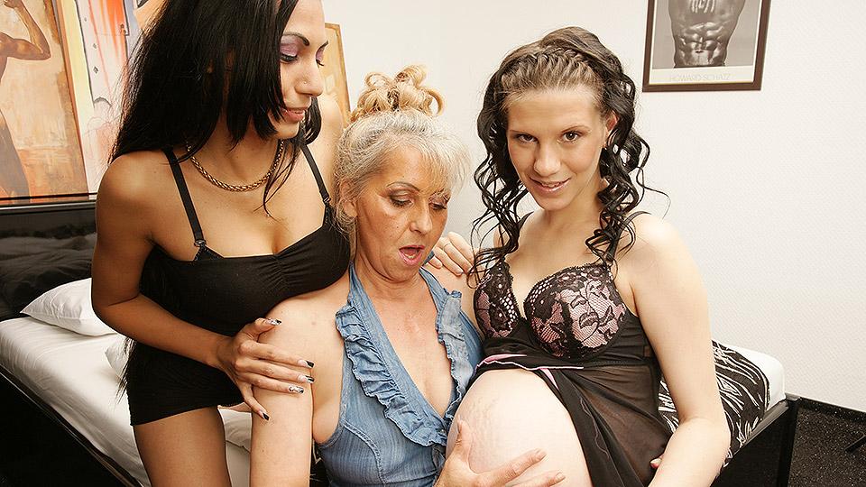 moeder en dochter hebben incest familiesex met oma