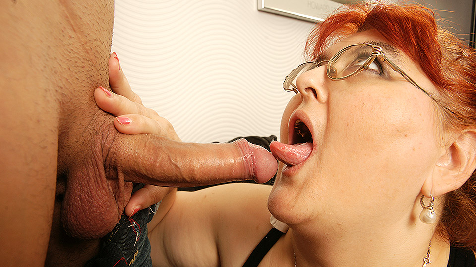 This big mature lady loves having hard sex