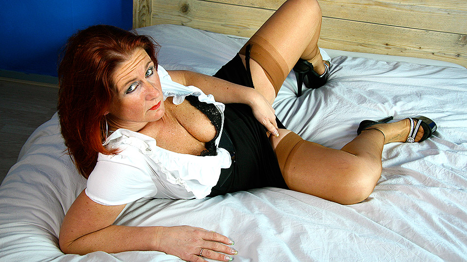 Naughty housewife getting very frisky