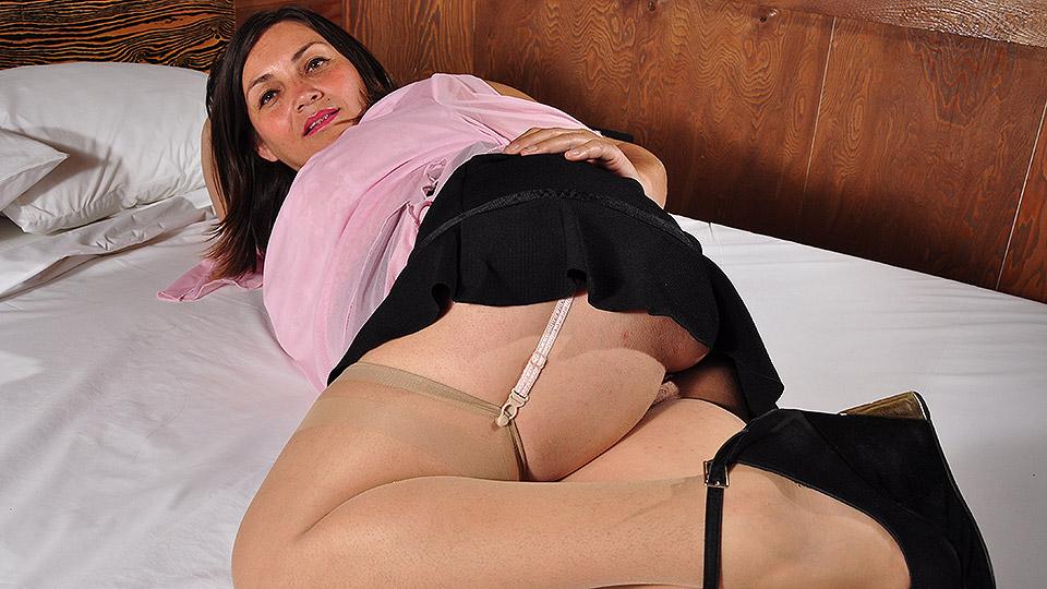 Hot Latin housewife masturbating