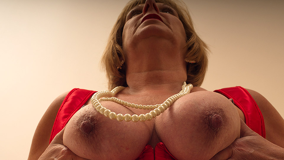 Horny British chubby mama getting very dirty