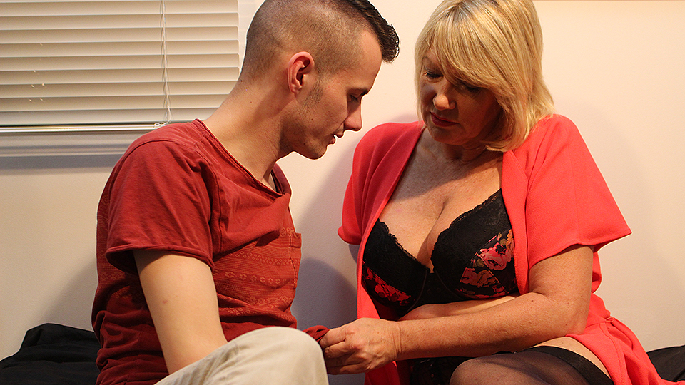 British mature Amy is getting a good fuck from her toy boy
