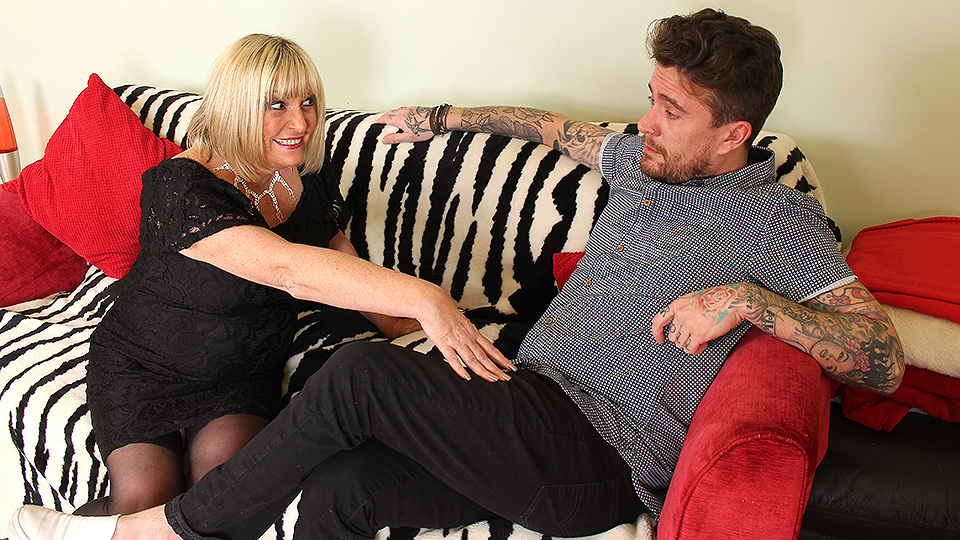 Naughty British mature slut fucking her Rock and Roll lover