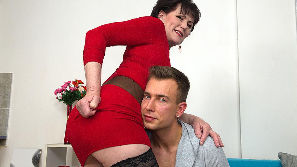 Unshaved mature slut fucking and sucking her toy boy