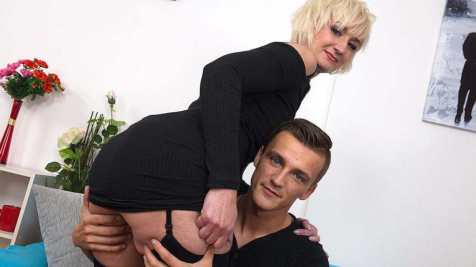 Naughty housewife fucking and sucking a hard throbbing cock