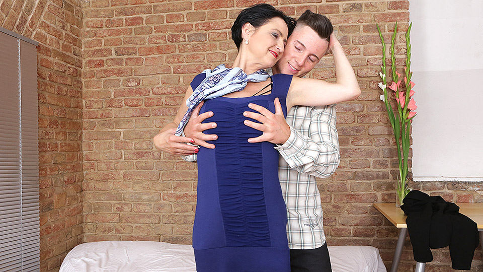 Horny housewife has a naughty date with her toy boy