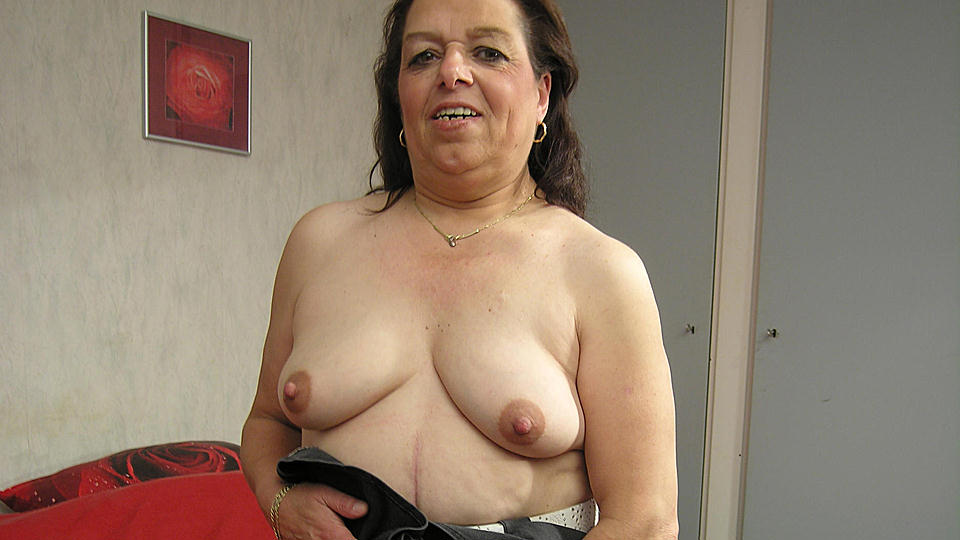 Mature.nl mature women video