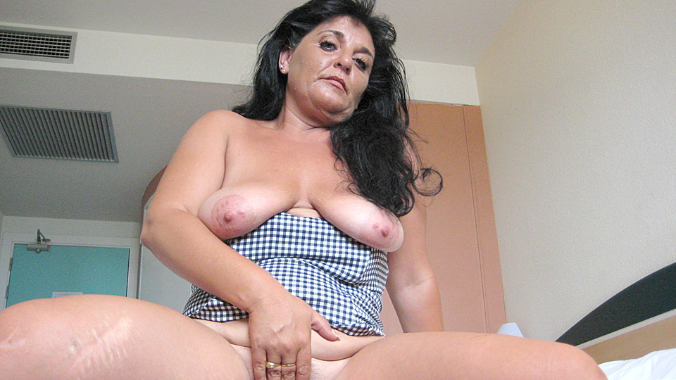 This mature slut loves to pee outside the bowl