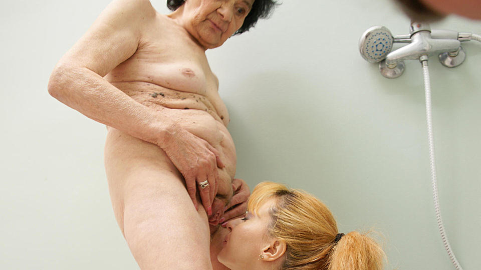 nasty asian chick rei furuse gets her japanese pussy toyed