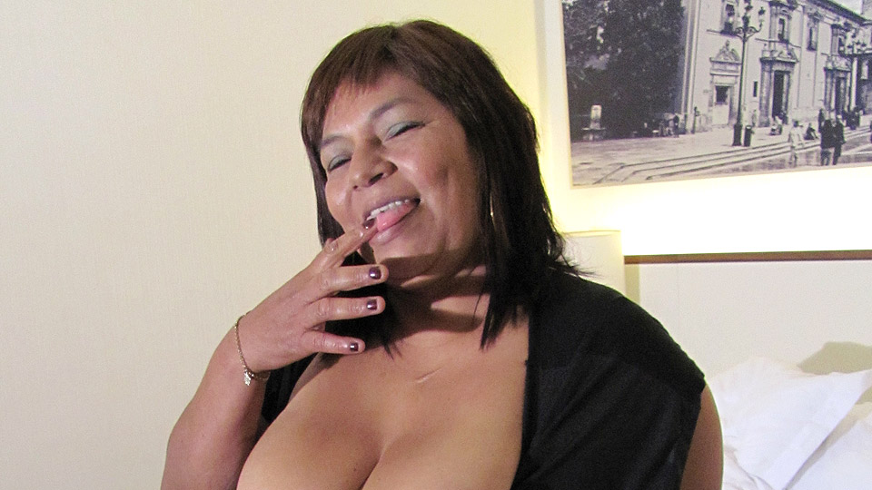 Mature slut Olga loves to get wet and wild