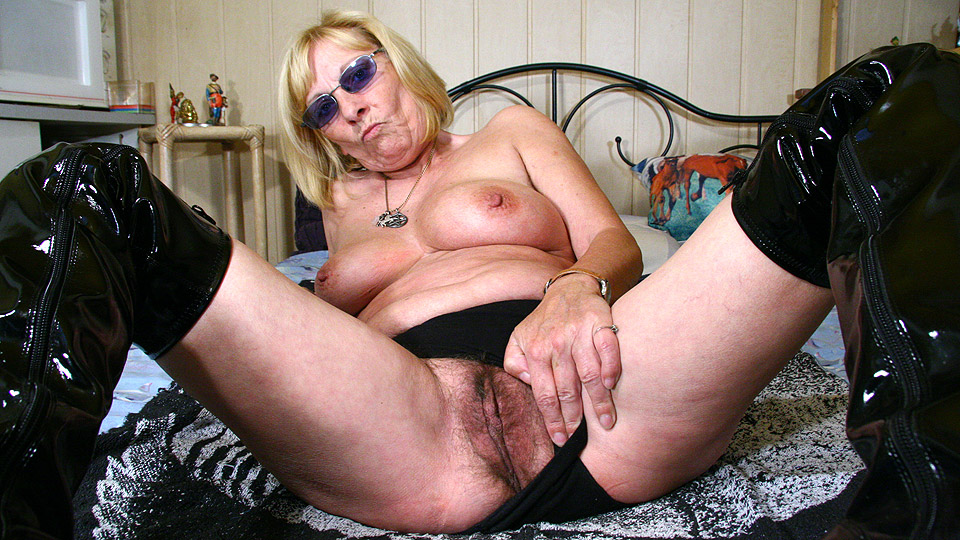 oma vagina bondage porno